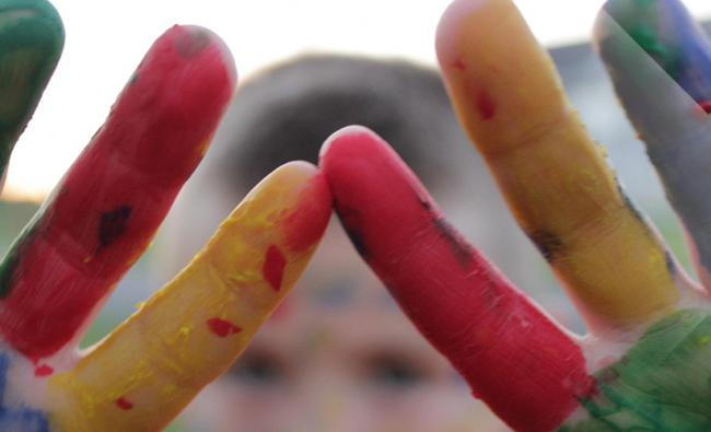 Kinderhanden vingerverf